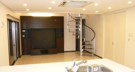 家族構成の変化により駐車場や屋根裏に部屋を作ったりするのも得意分野の一つです。